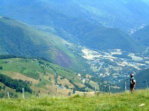 Es bieten sich phantastische Ausblicke in die Pyrenäenlandschaft.