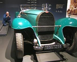 Ein Glanzstück ist der Nachbau des Bugatti Royale, den der Industrielle Armand Esders erworben hatte.