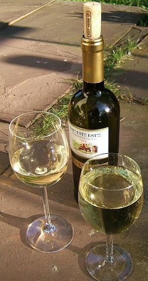 Erfrischend an heißen Sommertagen: der italienische Est! Est! Est.