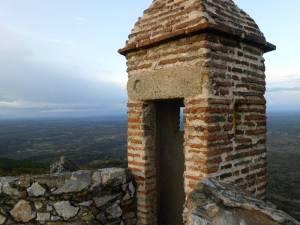 Ob Burg oder Kastell: Immer wieder schweift der Blick weit ins Land.